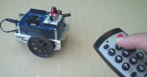 Infrared remote controlled BOE Shield-Bot