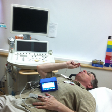 VTD (Valsalva Test Device) in use.